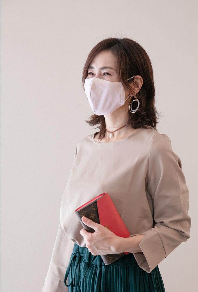 マスク 日本製 クレンゼ生地 大人用 立体縫製 いつものコーデに合わせやすいマスク